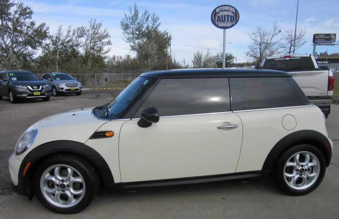 2011 Mini Cooper (WMWSU3C54BT) with an 1.6L L4 DOHC 16V TURBO engine, located at 3030 CY Ave, Casper, WY, 82604, (307) 265-3830, 42.827816, -106.357483 - Photo #0
