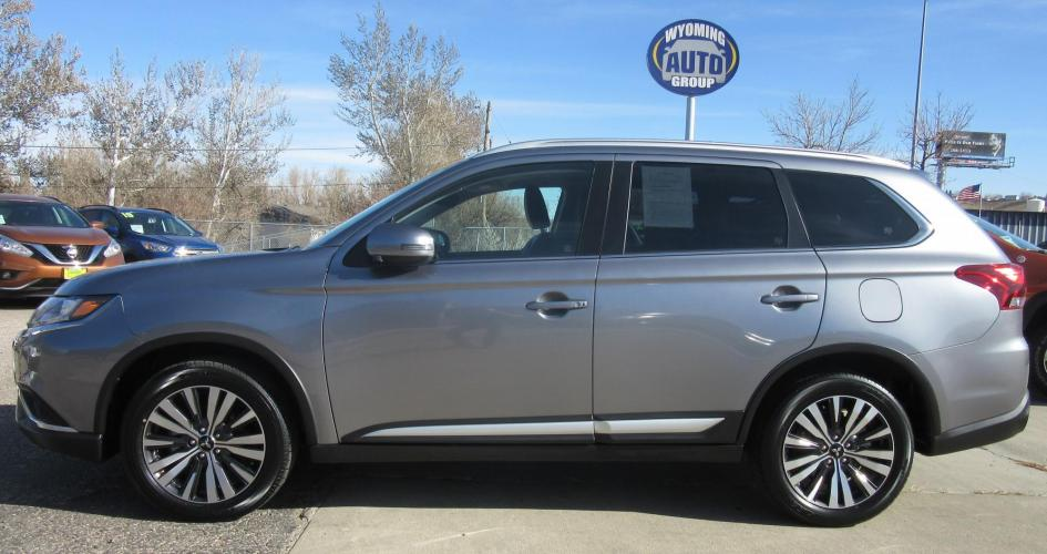 2020 Mitsubishi Outlander SEL AWD (JA4AZ3A30LZ) with an 2.4L L4 DOHC 16V engine, CVT transmission, located at 3030 CY Ave, Casper, WY, 82604, (307) 265-3830, 42.827816, -106.357483 - Photo #0
